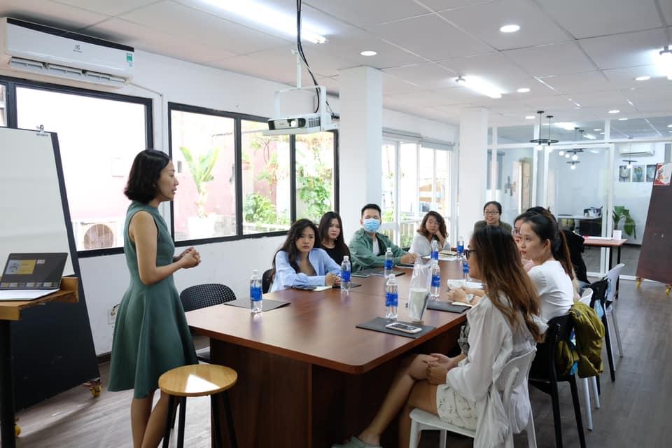 Hình ảnh lớp học tại SR Fashion Business School